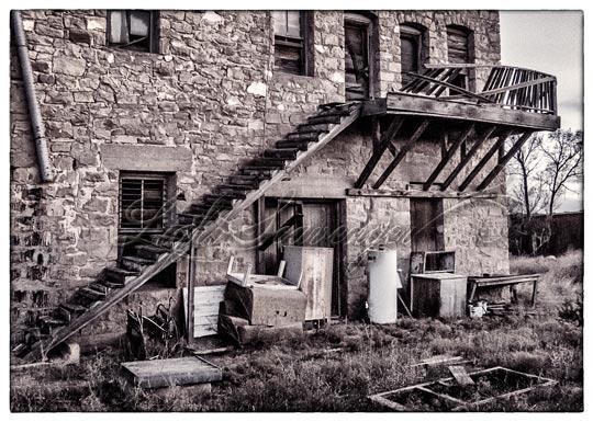Duran: Crumbling Balcony